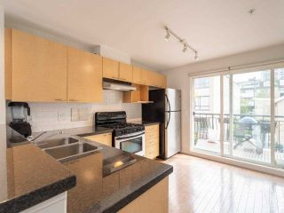 """Photo 8: 318 678 W 7TH Avenue in Vancouver: Fairview VW Townhouse for sale in """"LIBERTE"""" (Vancouver West)  : MLS®# R2575214"""