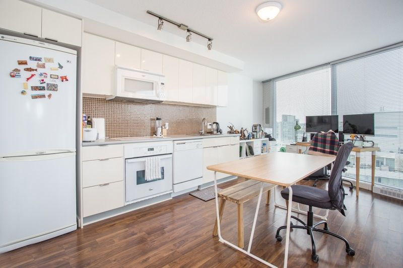 "Main Photo: 2909 233 ROBSON Street in Vancouver: Downtown VW Condo for sale in ""TV Towers"" (Vancouver West)  : MLS®# R2260002"