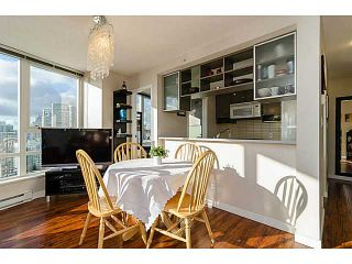 Photo 3: # 2502 939 EXPO BV in Vancouver: Yaletown Condo for sale (Vancouver West)  : MLS®# V1040268