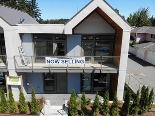 Photo 1: 3082 107th St in Nanaimo: Na Uplands Row/Townhouse for sale : MLS®# 883478
