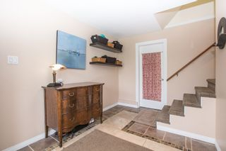 Photo 2: 2705 HENRY Street in Port Moody: Port Moody Centre House for sale : MLS®# R2087700