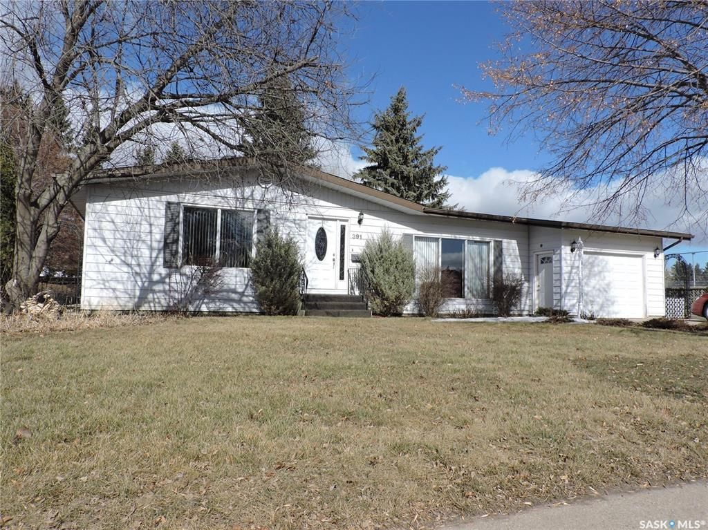 Main Photo: 391 Circlebrooke Drive in Yorkton: South YO Residential for sale : MLS®# SK846299