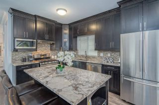 Photo 2: 57 1108 RIVERSIDE CLOSE in Port Coquitlam: Riverwood Townhouse for sale : MLS®# R2507739