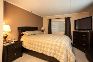 """Photo 11: 138 1840 160 Street in Surrey: King George Corridor Manufactured Home for sale in """"BREAKAWAY BAYS"""" (South Surrey White Rock)  : MLS®# R2010007"""