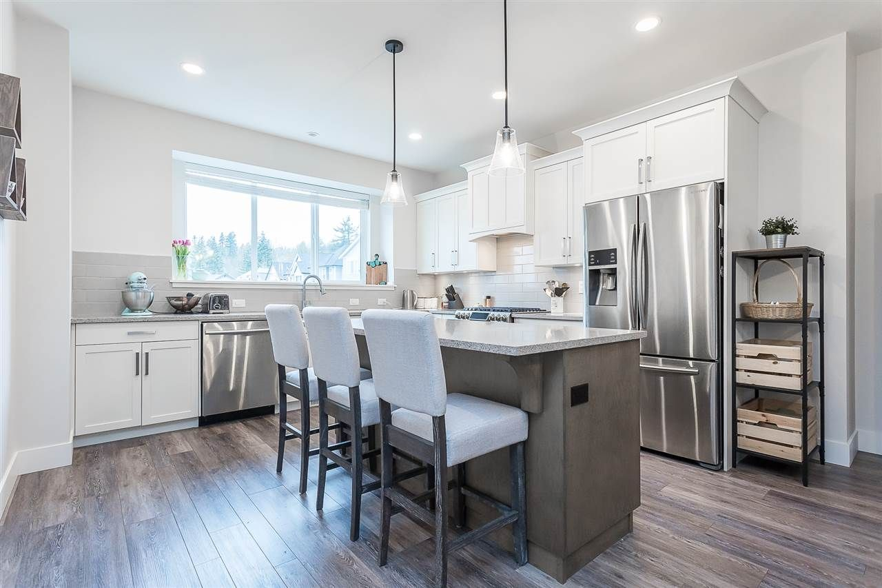 """Photo 9: Photos: 4 4295 OLD CLAYBURN Road in Abbotsford: Abbotsford East House for sale in """"Sunspring Estates"""" : MLS®# R2562456"""