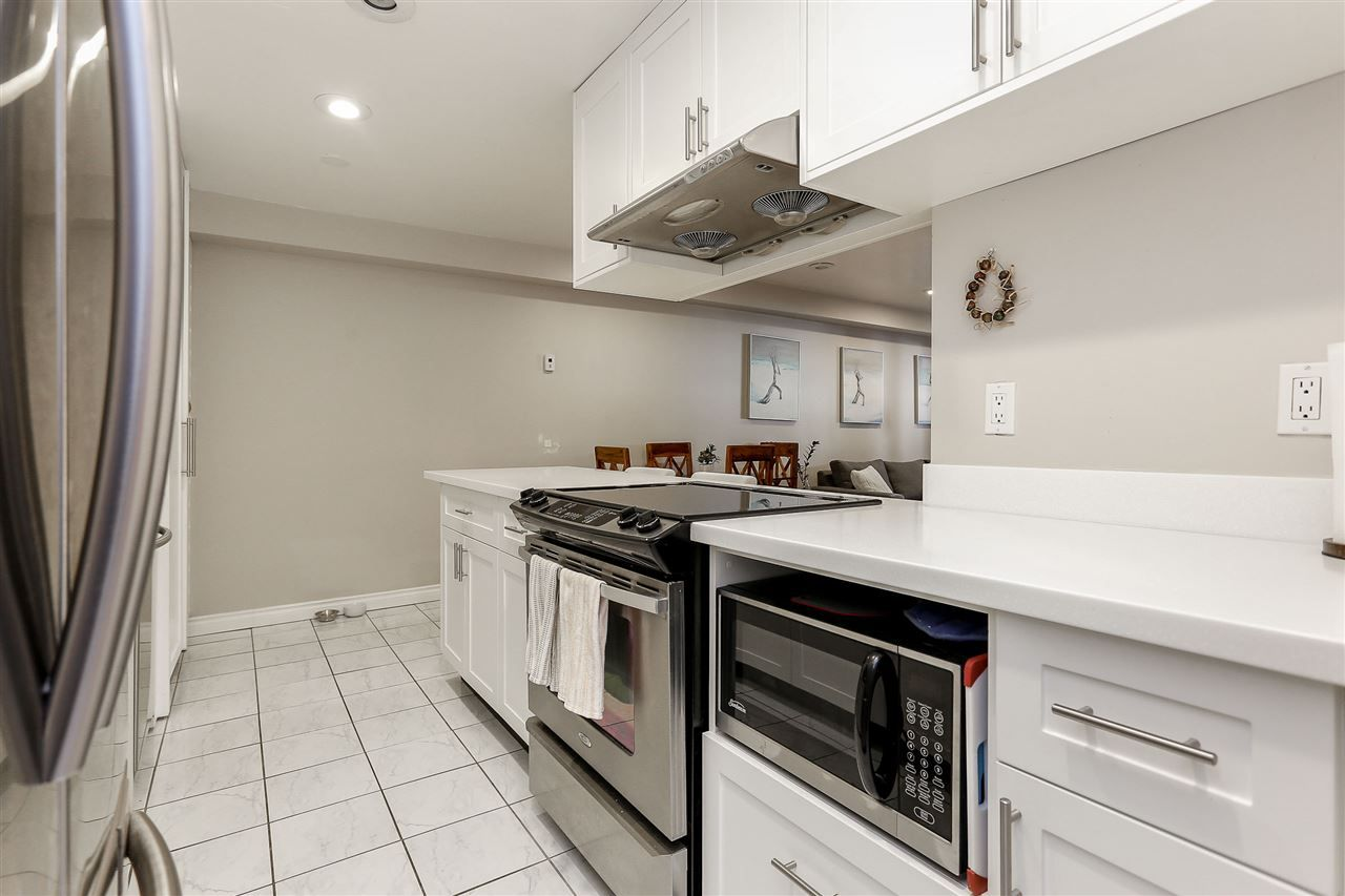 """Photo 8: Photos: 103 1484 CHARLES Street in Vancouver: Grandview VE Condo for sale in """"LANDMARK ARMS"""" (Vancouver East)  : MLS®# R2013401"""