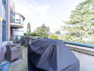 """Photo 33: 211 2665 W BROADWAY in Vancouver: Kitsilano Condo for sale in """"MAGUIRE BUILDING"""" (Vancouver West)  : MLS®# R2550864"""