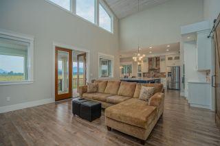 Photo 8: 6763 WILTSHIRE Street in Sardis: Sardis West Vedder Rd House for sale : MLS®# R2482514