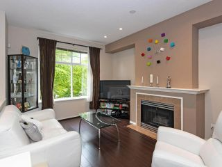 """Photo 2: 52 6888 ROBSON Drive in Richmond: Terra Nova Townhouse for sale in """"STANFORD PLACE"""" : MLS®# R2459240"""