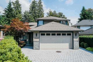 Photo 1: 3020 GRIFFIN Place in North Vancouver: Edgemont House for sale : MLS®# R2421592