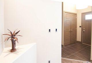 Photo 3: 711 7th Street East in Saskatoon: Haultain Residential for sale : MLS®# SK871051