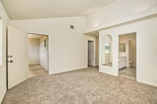 Photo 11: 331 Beaumont Ct in Vista: Residential for sale (92084 - Vista)  : MLS®# 170045073