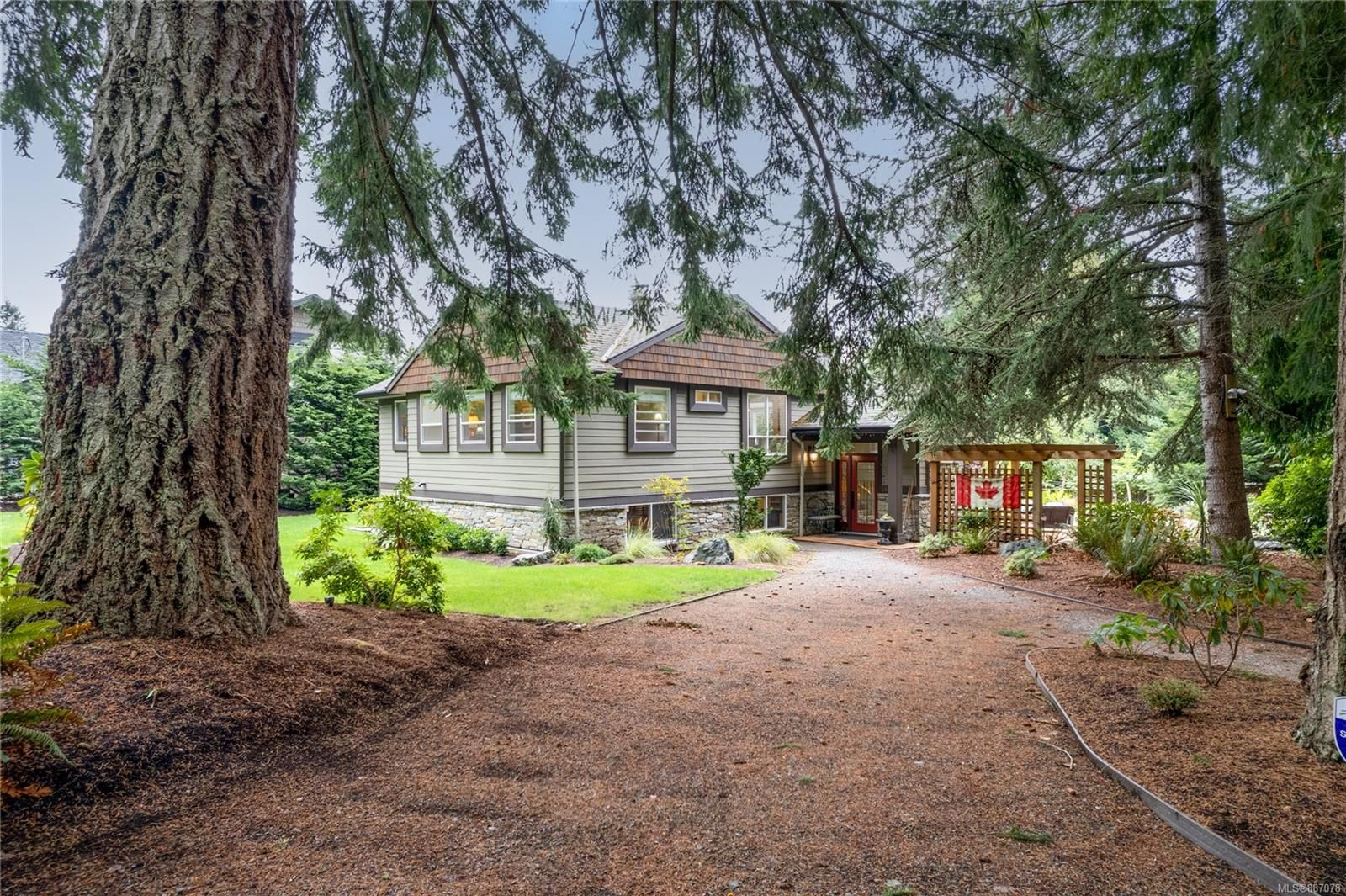 Main Photo: 166 Linley Rd in Nanaimo: Na Hammond Bay House for sale : MLS®# 887078