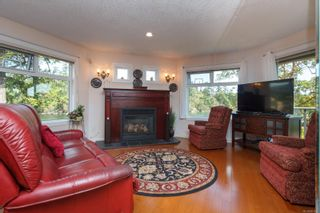 Photo 5: 4 1083 Tillicum Rd in : Es Kinsmen Park Condo for sale (Esquimalt)  : MLS®# 851611