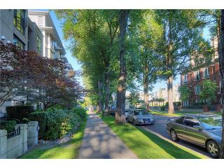"""Photo 10: 110 2181 W 10TH Avenue in Vancouver: Kitsilano Condo for sale in """"THE TENTH AVE"""" (Vancouver West)  : MLS®# V844401"""