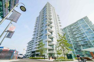 Photo 1: 2501 258 NELSON'S Court in New Westminster: Sapperton Condo for sale : MLS®# R2543188