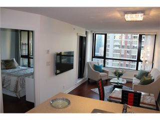 Photo 2: # 2210 909 MAINLAND ST in Vancouver: Yaletown Condo for sale (Vancouver West)  : MLS®# V1129575