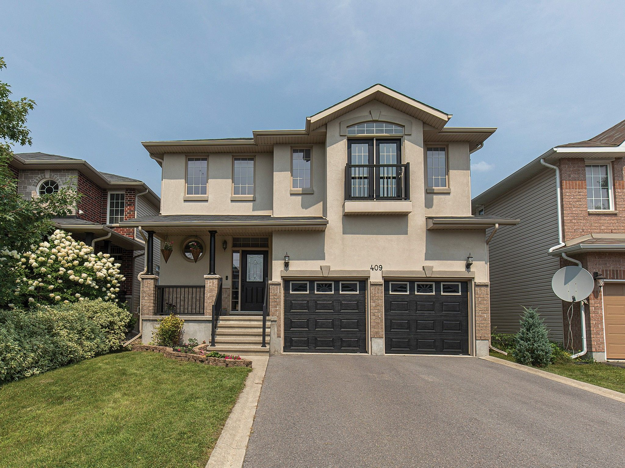 Main Photo: 409 CAVENDISH Crescent in Kingston: House for sale (42 - City Northwest)  : MLS®# 40156976