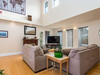 Photo 3: 2572 Carstairs Dr in COURTENAY: CV Courtenay East House for sale (Comox Valley)  : MLS®# 807384