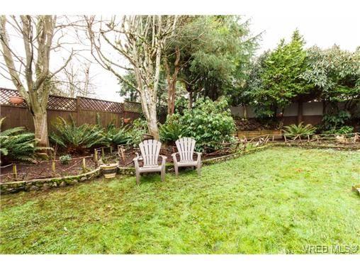 Photo 17: Photos: 1716 Fernwood Rd in VICTORIA: Vi Fernwood House for sale (Victoria)  : MLS®# 691465