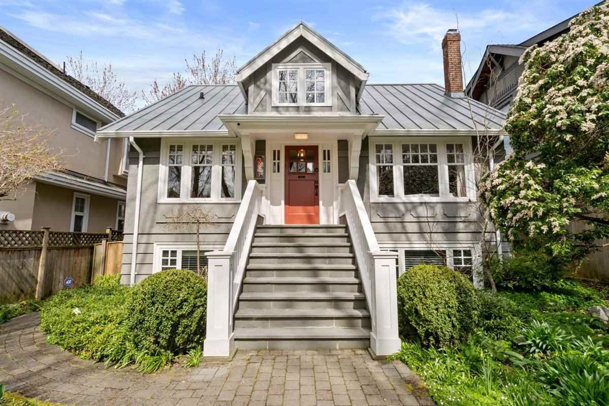 """Main Photo: 3811 W 26TH Avenue in Vancouver: Dunbar House for sale in """"DUNBAR"""" (Vancouver West)  : MLS®# R2559901"""