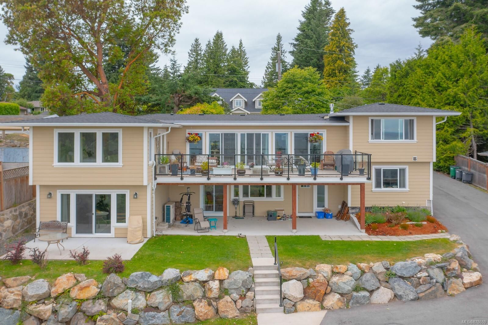 Main Photo: 5059 Wesley Rd in Saanich: SE Cordova Bay House for sale (Saanich East)  : MLS®# 878659