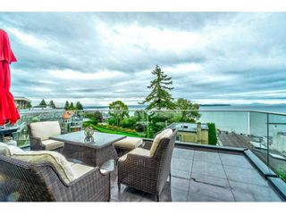 """Photo 3: 1105 JOHNSTON Road: White Rock House for sale in """"Hillside"""" (South Surrey White Rock)  : MLS®# R2577715"""