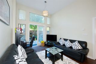 """Photo 5: 102 3688 INVERNESS Street in Vancouver: Knight Condo for sale in """"Charm"""" (Vancouver East)  : MLS®# R2488351"""