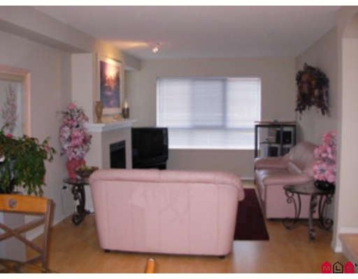 """Photo 2: Photos: 10 6747 203RD Street in Langley: Willoughby Heights Townhouse for sale in """"SAGEBROOK"""" : MLS®# F2903189"""