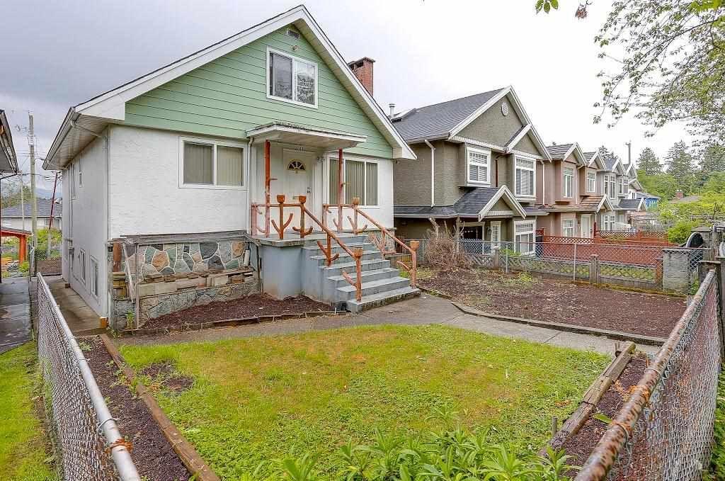 "Photo 2: Photos: 2843 E 20TH Avenue in Vancouver: Renfrew Heights House for sale in ""RENFREW HEIGHTS"" (Vancouver East)  : MLS®# R2185211"