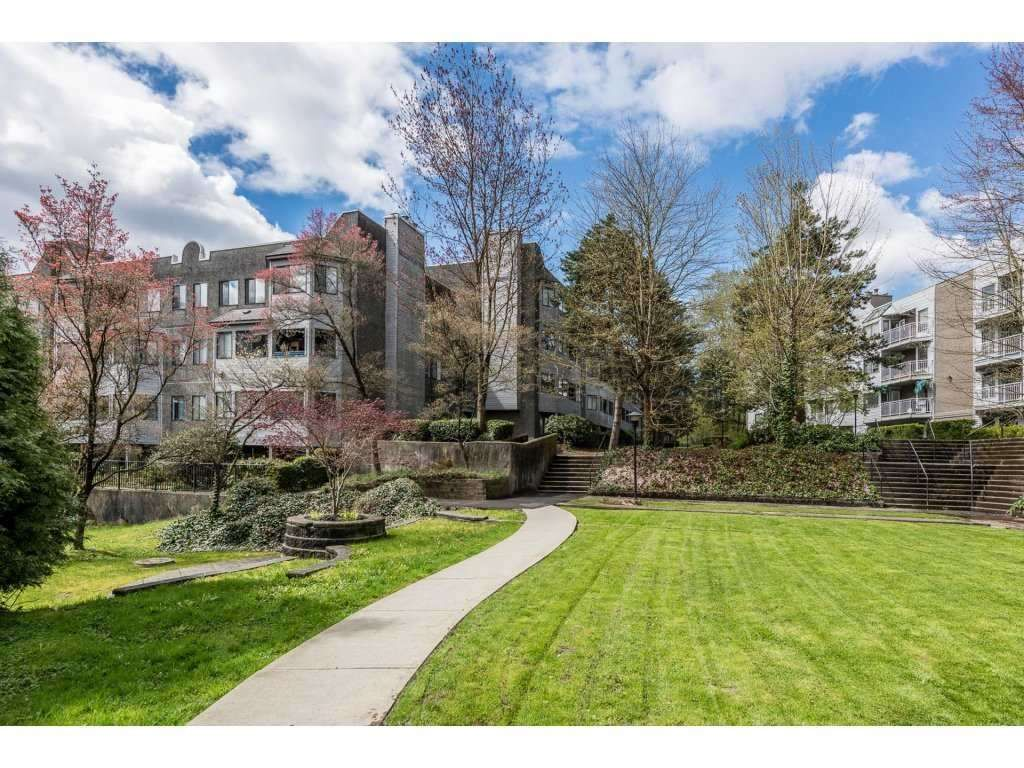 """Main Photo: 103 9890 MANCHESTER Drive in Burnaby: Cariboo Condo for sale in """"BROOKSIDE COURT"""" (Burnaby North)  : MLS®# R2415349"""
