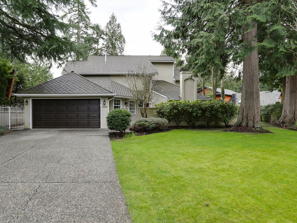 Main Photo: 13258 19A Avenue in South Surrey B.C.: Home for sale : MLS®# R2035993