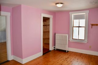 Photo 18: 105 Townsend Street in Lunenburg: 405-Lunenburg County Residential for sale (South Shore)  : MLS®# 202122372