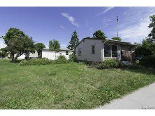Photo 2: 683 Keewatin Street in WINNIPEG: Maples / Tyndall Park Residential for sale (North West Winnipeg)  : MLS®# 1317251