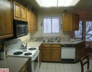 "Photo 3: 305 1351 VIDAL Street: White Rock Condo for sale in ""SEA PARK MANOR"" (South Surrey White Rock)  : MLS®# F1000839"
