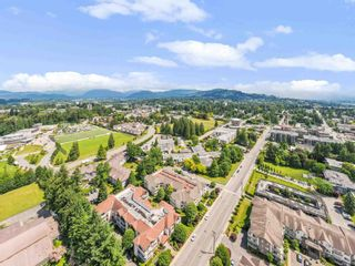 """Photo 25: 201 33401 MAYFAIR Avenue in Abbotsford: Central Abbotsford Condo for sale in """"MAYFAIR GARDENS"""" : MLS®# R2594732"""
