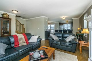 """Photo 5: 26 6238 192 Street in Surrey: Cloverdale BC Townhouse for sale in """"Bakerview Terrace"""" (Cloverdale)  : MLS®# R2248106"""