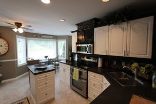 Photo 4: 7286 Birch Close in Anglemont: House for sale : MLS®# 10086264