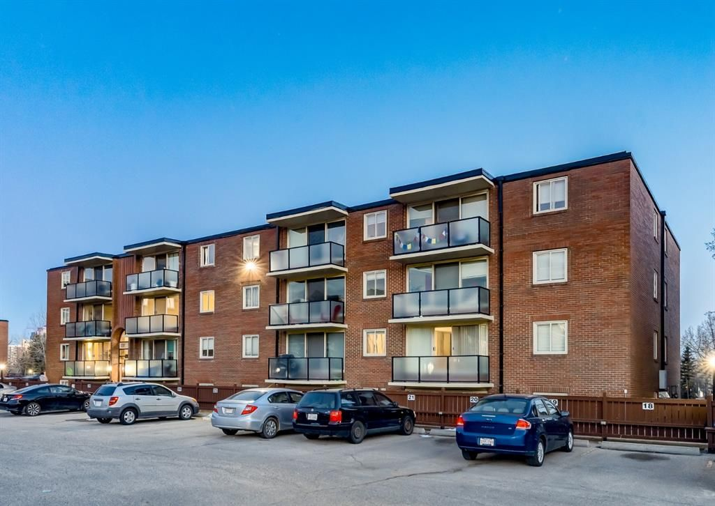 Main Photo: 338 1421 7 Avenue NW in Calgary: Hillhurst Apartment for sale : MLS®# A1095896