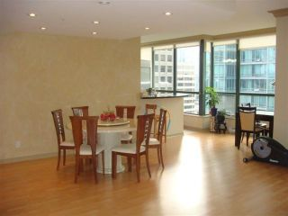Photo 3: 2001 1239 W GEORGIA Street in Vancouver: Coal Harbour Condo for sale (Vancouver West)  : MLS®# V924962
