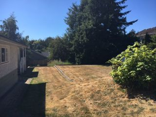 """Photo 8: 16341 10 Avenue in Surrey: King George Corridor House for sale in """"South Meridian"""" (South Surrey White Rock)  : MLS®# R2192920"""