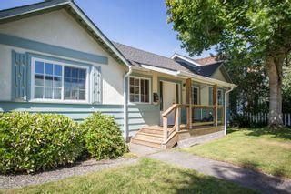 "Photo 2: 2831 GORDON Avenue in Surrey: Crescent Bch Ocean Pk. House for sale in ""Crescent Beach"" (South Surrey White Rock)  : MLS®# R2476389"