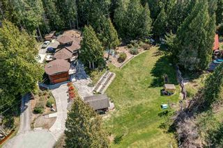 Photo 2: 3185 HUCKLEBERRY Road: Roberts Creek House for sale (Sunshine Coast)  : MLS®# R2571072