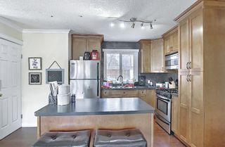 Photo 9: 4328 70 Street NW in Calgary: Bowness Detached for sale : MLS®# A1093003