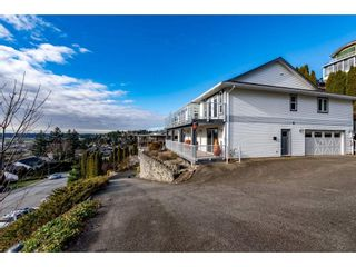 Photo 2: 35743 TIMBERLANE Drive in Abbotsford: Abbotsford East House for sale : MLS®# R2530088