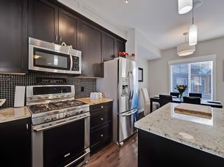 Photo 5: 142 Skyview Springs Manor NE in Calgary: Skyview Ranch Row/Townhouse for sale : MLS®# A1089823