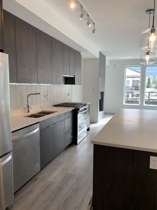 """Photo 2: 210 38167 CLEVELAND Avenue in Squamish: Downtown SQ Condo for sale in """"CLEVELAND GARDENS"""" : MLS®# R2552551"""