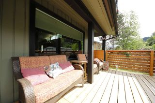 """Photo 15: 41532 RAE Road in Squamish: Brackendale House for sale in """"Brackendale"""" : MLS®# R2133343"""
