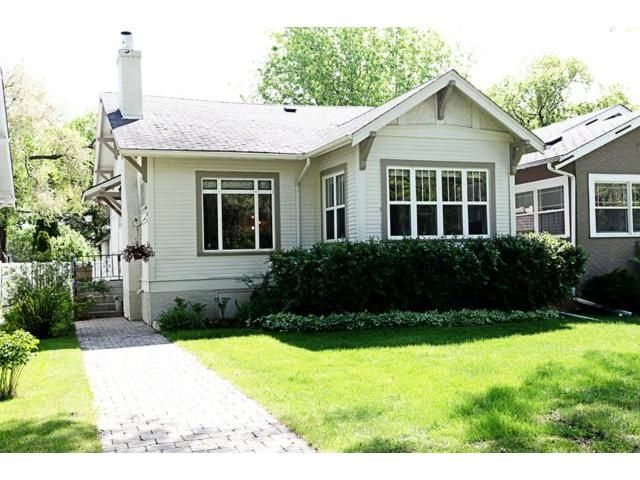 Main Photo: 120 Lanark Street in WINNIPEG: River Heights / Tuxedo / Linden Woods Residential for sale (South Winnipeg)  : MLS®# 1210238