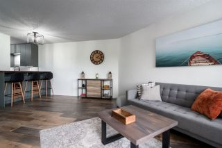 """Photo 8: 311 5224 204 Street in Langley: Langley City Condo for sale in """"Southwynde"""" : MLS®# R2466950"""